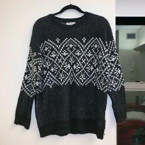 Forever 21 b&w fair isle Xmas cozy knit sweater